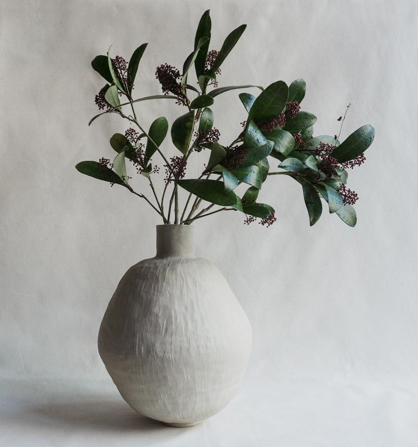 cosmiq by cosmin florea ceramics viola alba vase